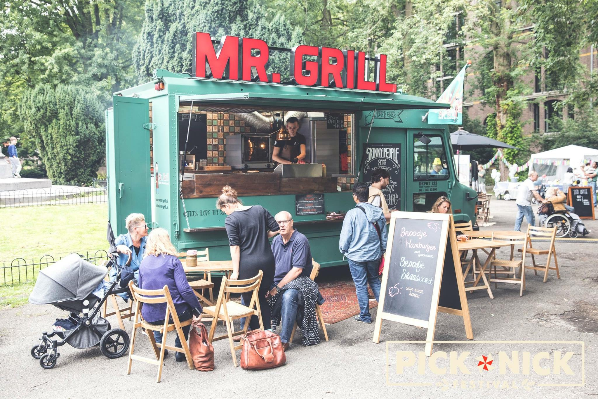 BBQ Foodtruck-Mr. Grill opstelling